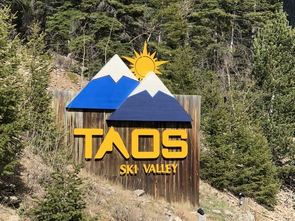 Rustic Taos Ski Valley Home - Short Walk to the Slopes!