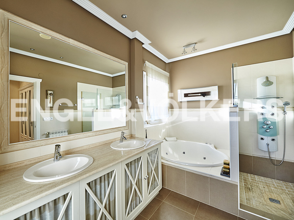 House in Antiguo - Bathroom of master suite