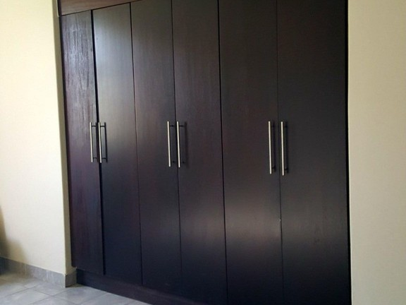 House in Silver Lakes Golf Estate - Builtin cupboards