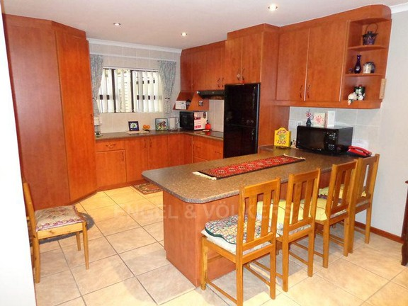 House in Sonstraal Heights - Kitchen