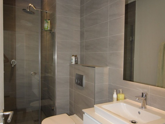 Condominium in Cape Town - Bathroom