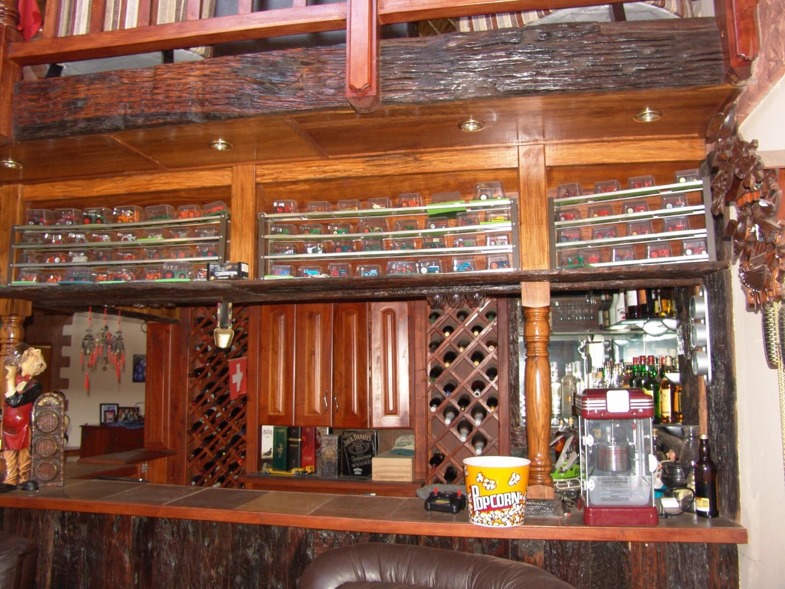 House in Thatch Haven - Built-in Bar