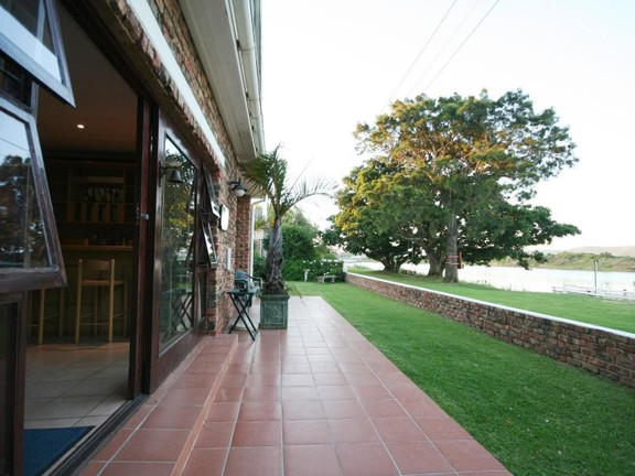 House in Redhouse - Outdoor access from entertainment area