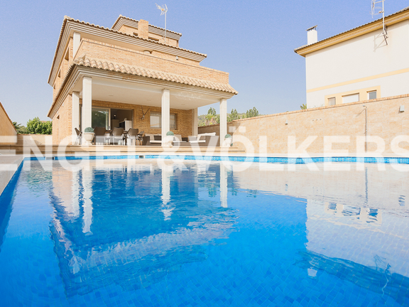 House in Valencia surroundings - Swimming pool