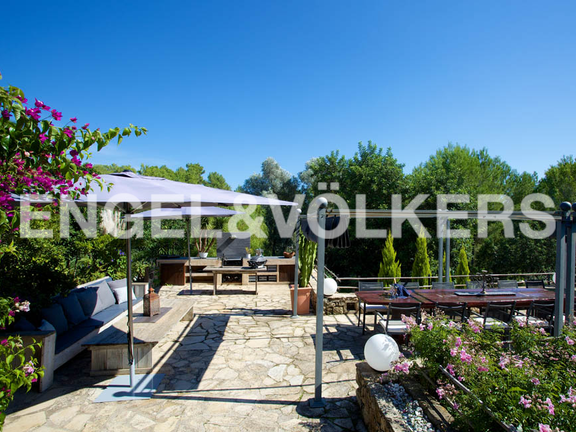 House in San Lorenzo - BBQ area with dining area