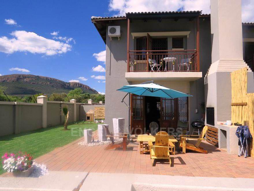 House in Melodie - View of backyard .jpg