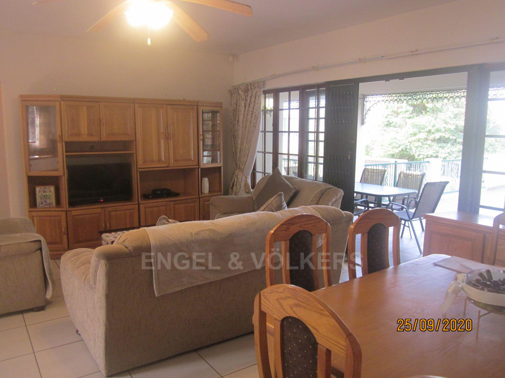 Apartment in Shelly Beach - Lounge/Dining