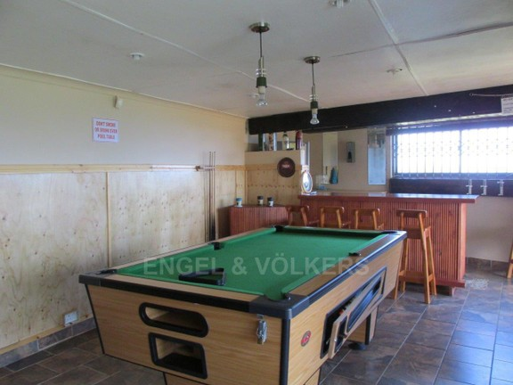 House in Ramsgate - 020 Entertainment Area Snooker Room