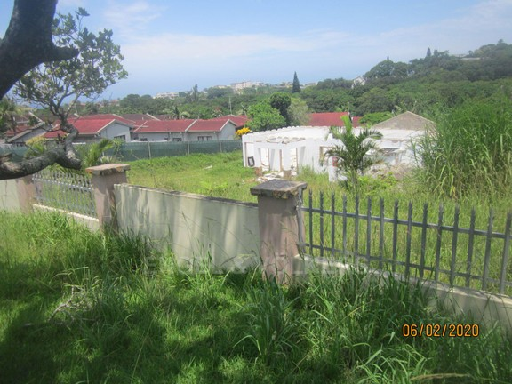 Land in Uvongo - 017 From the street.JPG