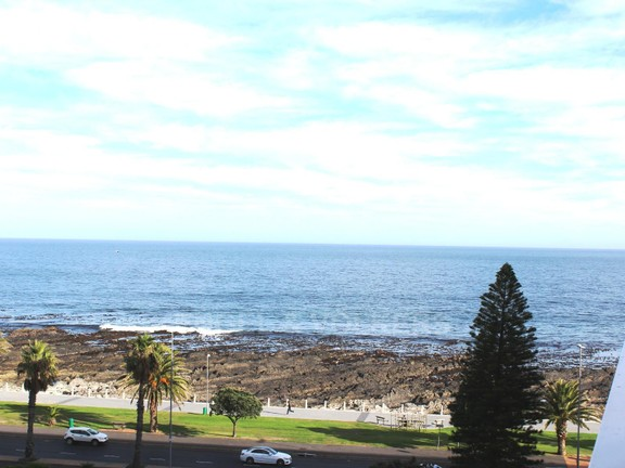 Condominium in Sea Point - Views