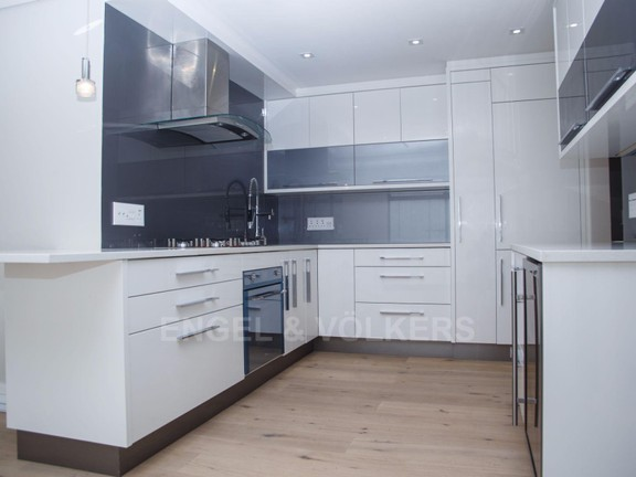 Condominium in Vredehoek - Kitchen 2 .jpg