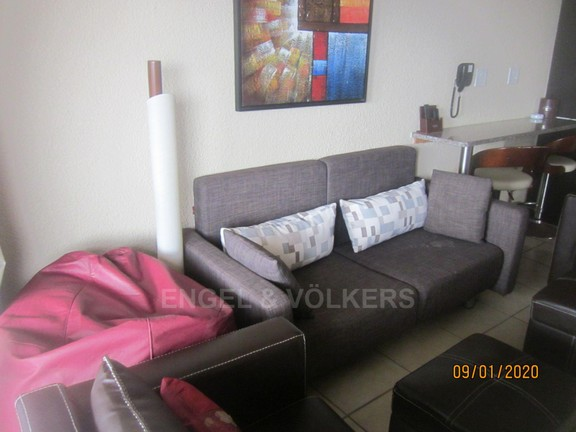 Apartment in Margate - 002 Lounge.JPG