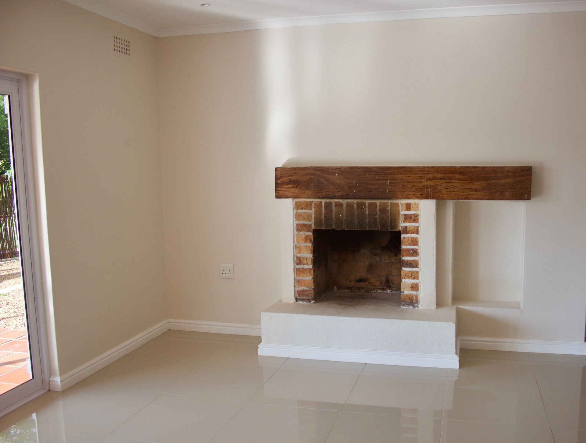 House in Hout Bay - fireplace