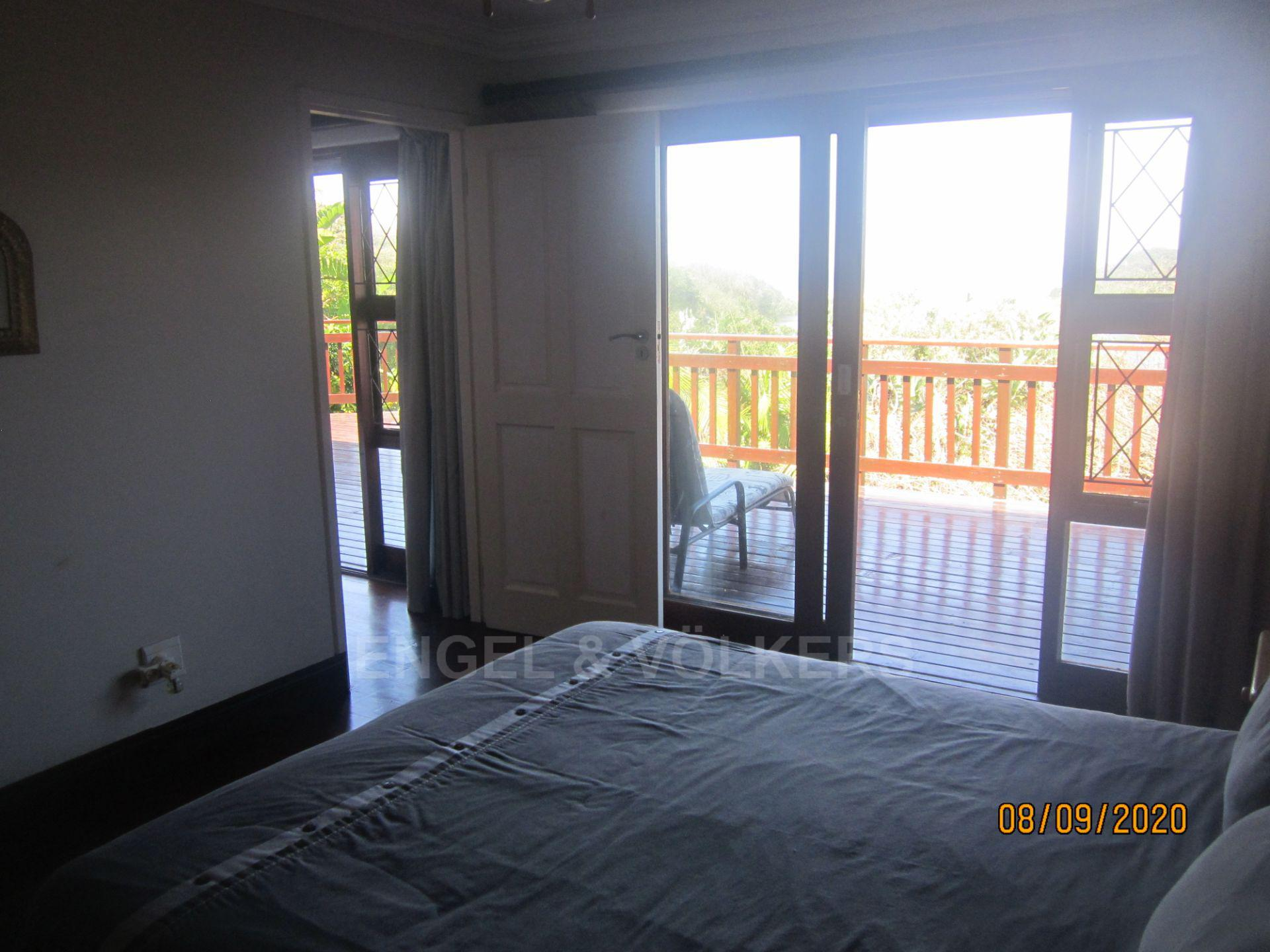 Apartment in Southbroom - Master Bedroom and Deck