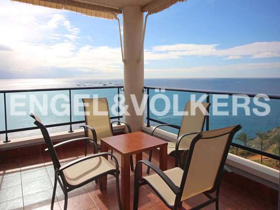 Condominium in Villajoyosa - Penthouse duplex with sea views in front of the beach. Terrace