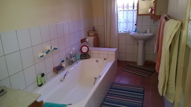 Apartment in Bult - En Suite Bathroom