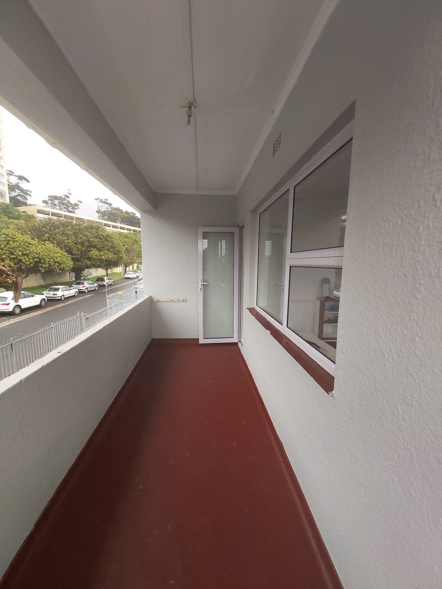 Apartment in Vredehoek - Balcony....jpg