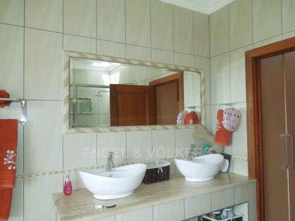 House in Ruimsig - Double vanity