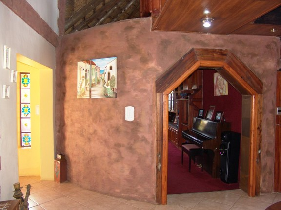 House in Thatch Haven - Entrance Hall