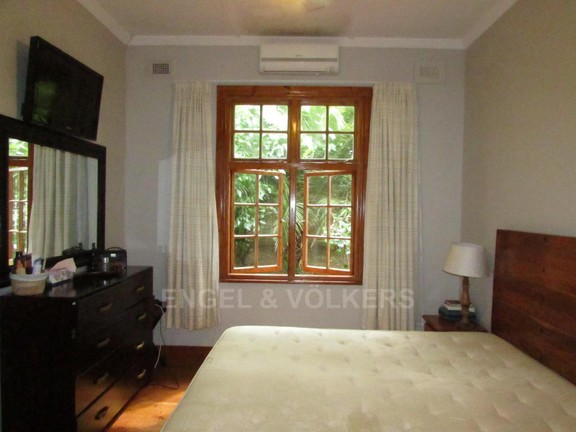 House in Shelly Beach - 005_Main_Bedroom_8IUPPpg.JPG