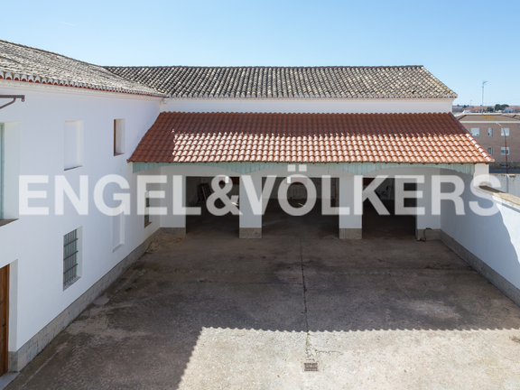 House in Requena - Backyard and stables