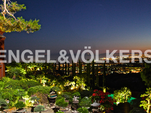 House in Marbella City - Night View