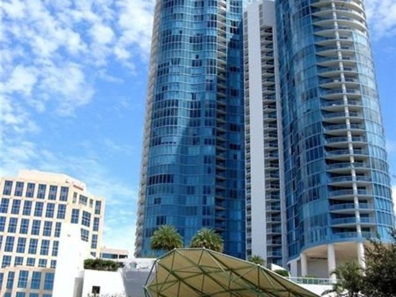 LUXURY CONDO IN THE HEART OF DOWNTOWN LS OLAS
