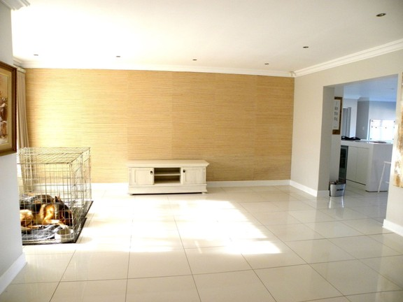 House in Bonnie Doon - Lounge 1