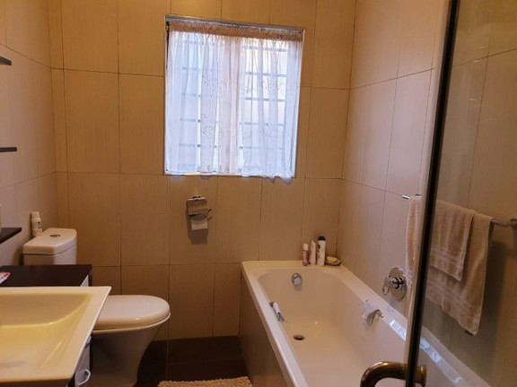 Apartment in Bailliepark - WhatsApp Image 2019-06-24 at 10.34.36 (3).jpeg