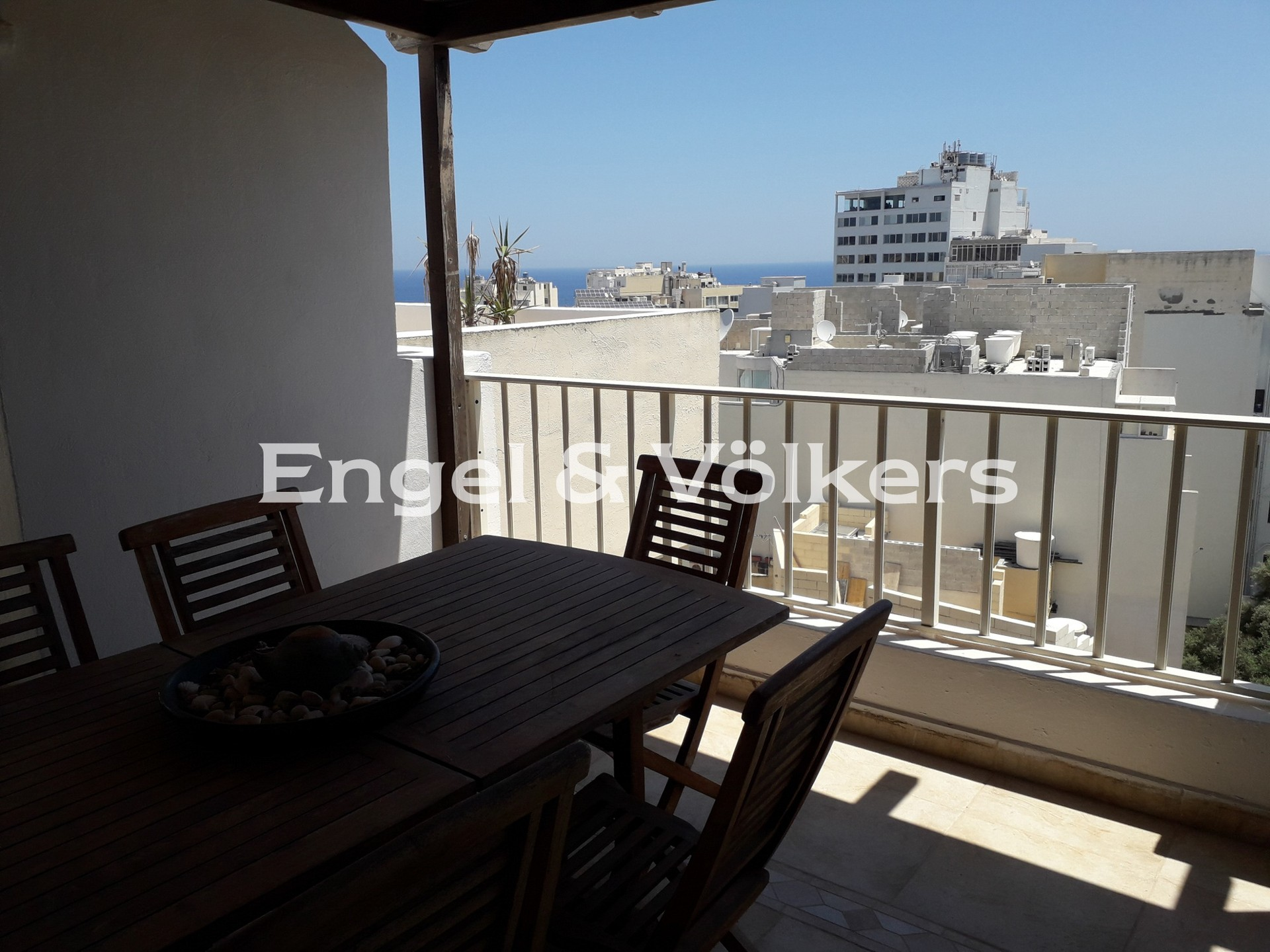Apartment in Sliema - Penthouse, Sliema, Large terrace with out door furniture