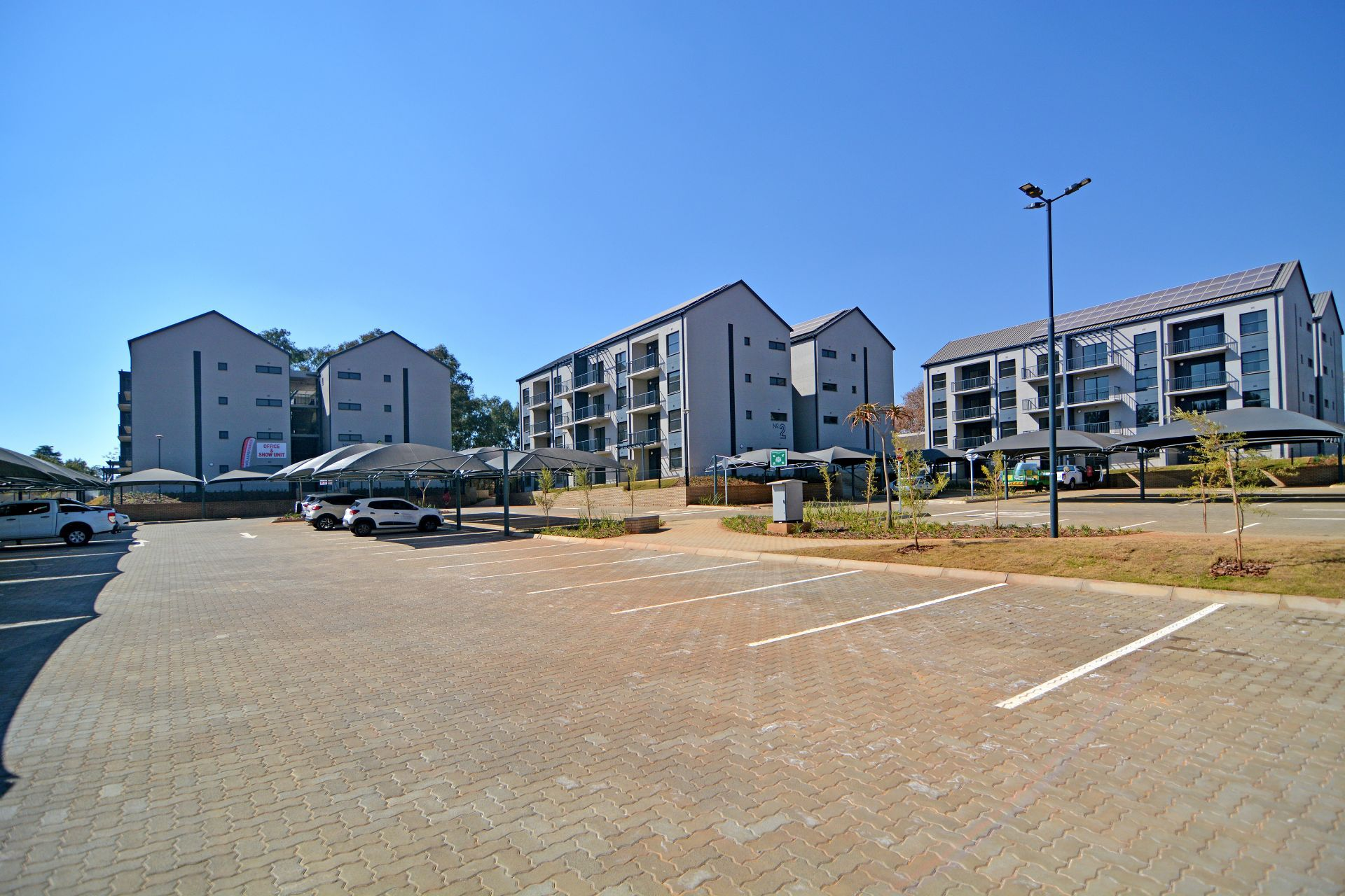 Apartment in Clubview - oak tree village-28.jpg