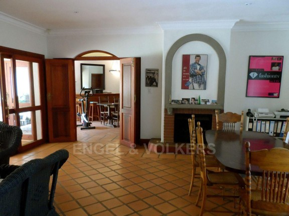 House in Waterkloof - 1 of 3 living rooms