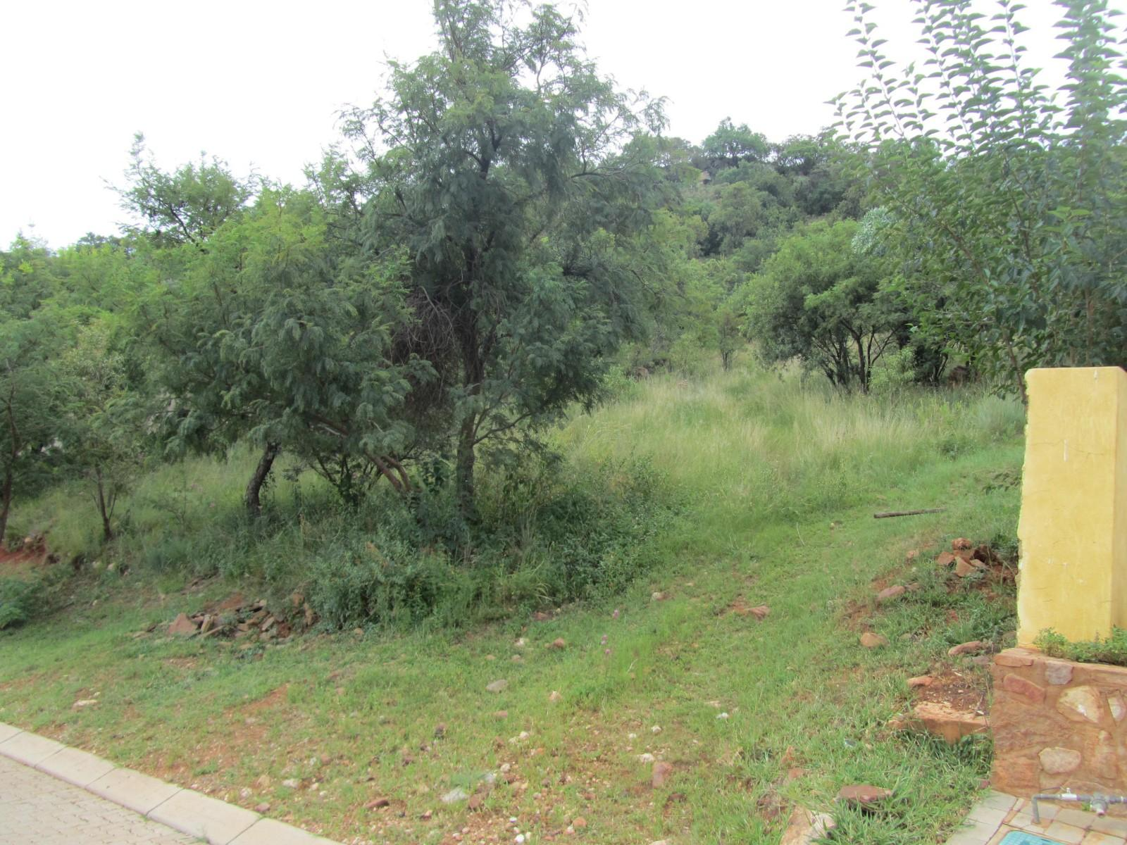 Land in Ville D' Afrique - next to neighbours
