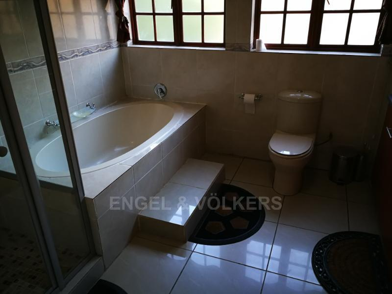 House in Xanadu Eco Park - Main Bathroom