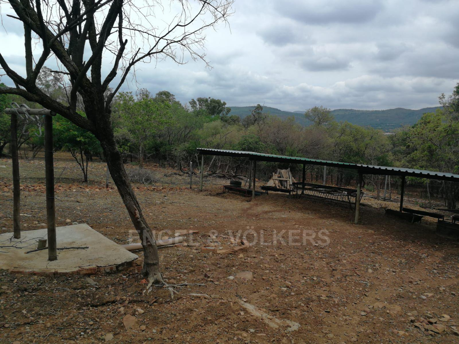 Land in Hartbeespoort Dam Area - Gentleman farming