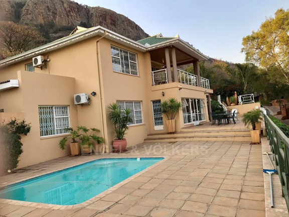 House in Kosmos Village - House and pool.jpg