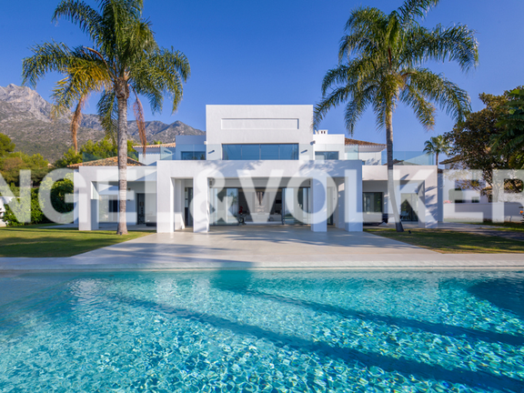 Modern Villa for sale in Marbella Sierra Blanca