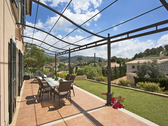 Stylish finca with high standard building qualities