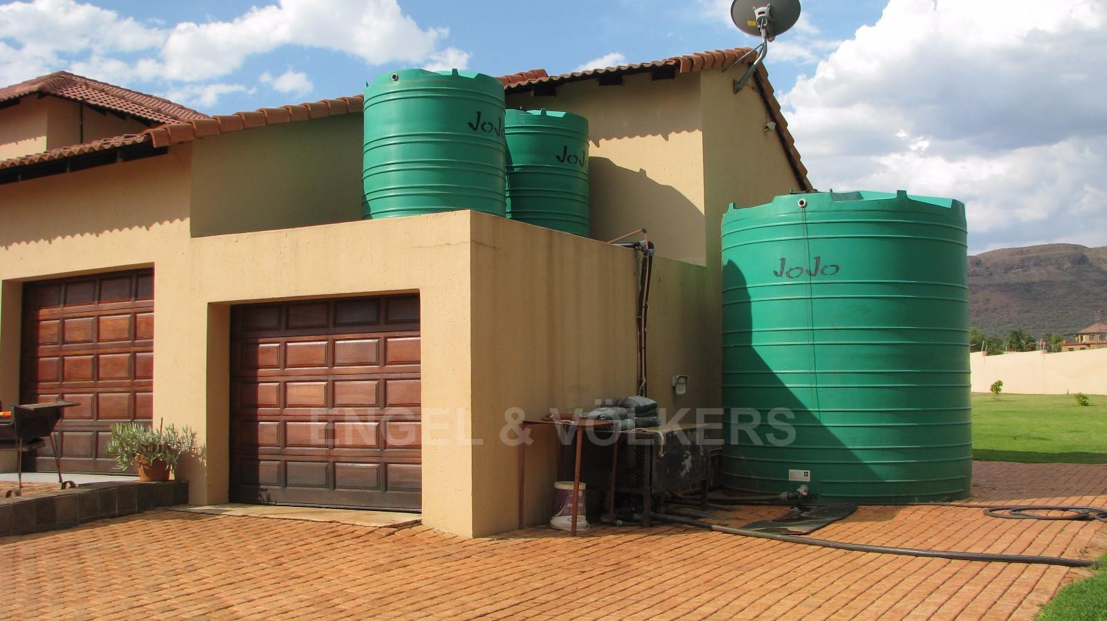 House in Melodie A/h - Water tanks