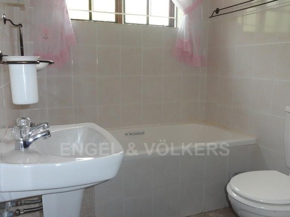 House in Uvongo - 014 Flat 1 Mes