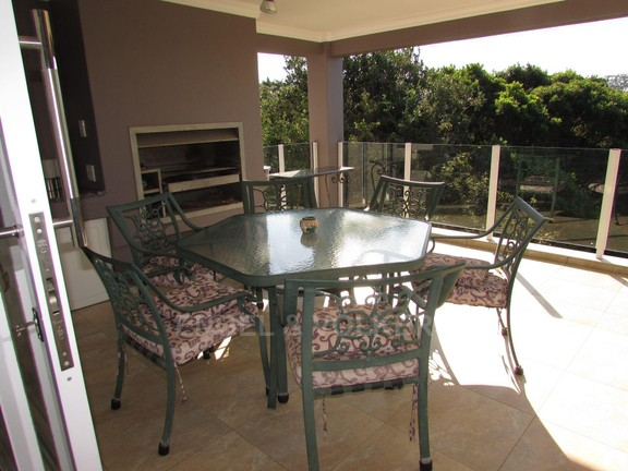 House in Southbroom - 014-Patio.JPG