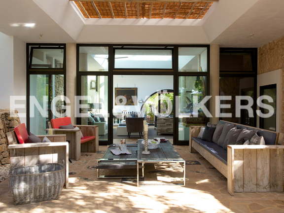 House in San Lorenzo - Terrace leading into the living room