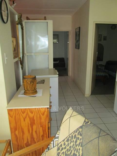 Apartment in Uvongo - 005_Passage_1GLd7yT.JPG