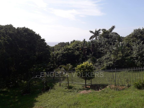 House in Leisure Bay - 015 DISTANT SEAVIEW.jpg