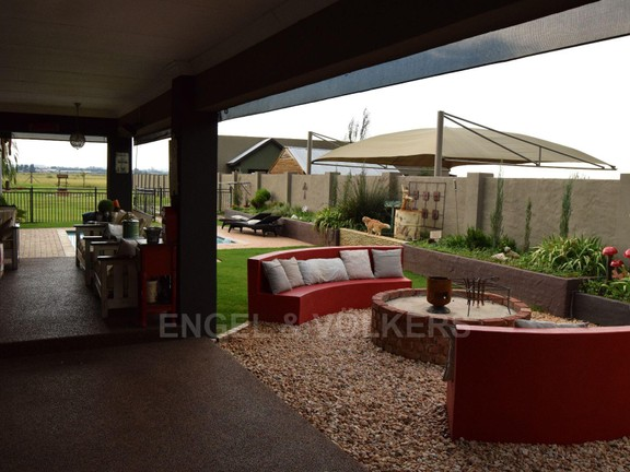 House in Grimbeekpark - engaging entertainment area