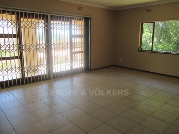House in Uvongo - 006_Lounge_view_2.JPG