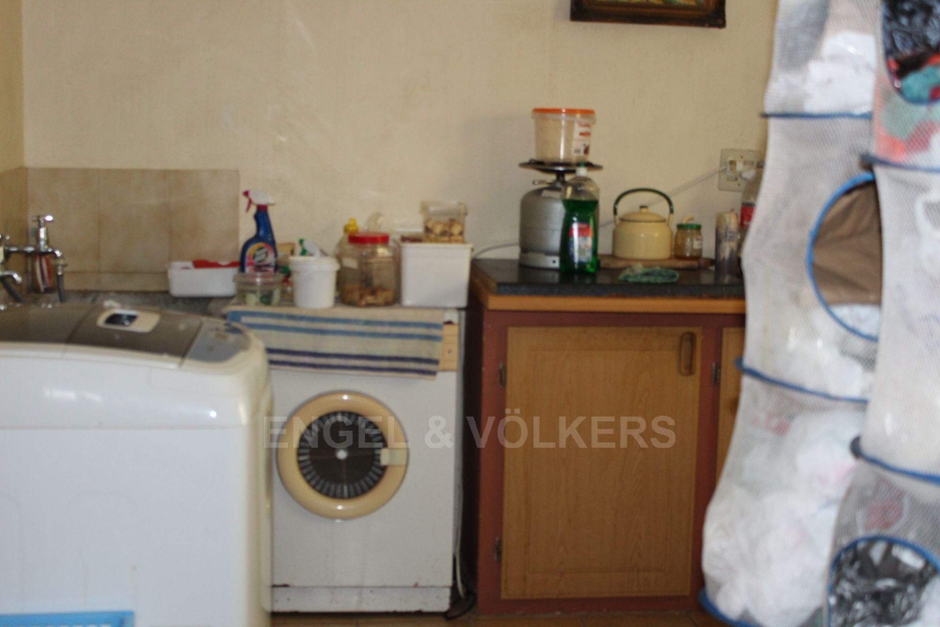 House in Leisure Bay - 019 Laundry.JPG