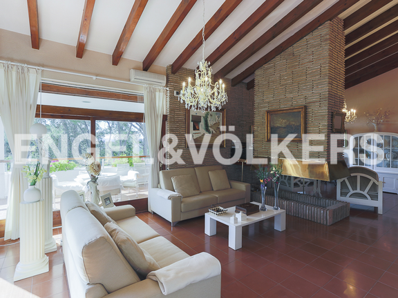 House in Torrent - Living-dining room