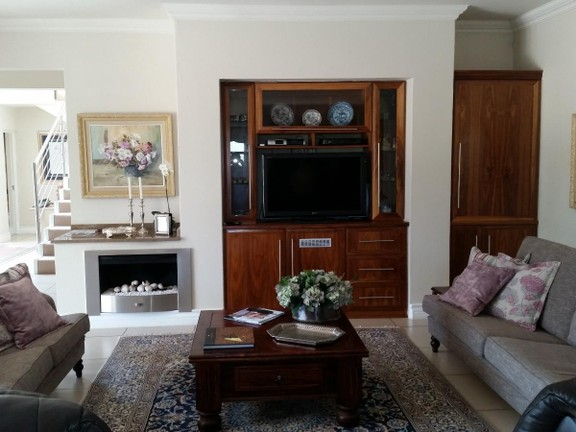 House in Magalies River Club and Golf Estate - lounge_area_streetlevel.jpg