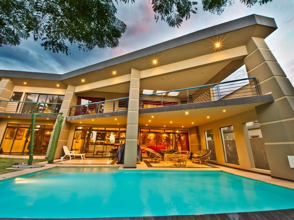 House in Fourways - 5_bedroom_house_fourways_5.jpg